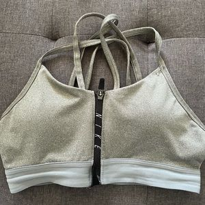 Nike women's sports bra size large